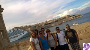 Students group photo in Senglea - Learn English in Malta and visit the three cities